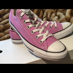 LAVENDER CONVERSE ALL STAR SNEAKERS Sz 10 NWOT